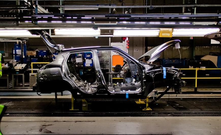 La catena di montaggio dello stabilimento Nissan di Sunderland